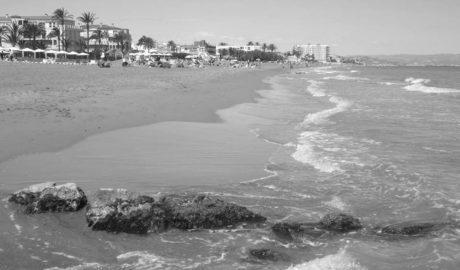Cierran una playa de Dénia por la presencia de un tiburón