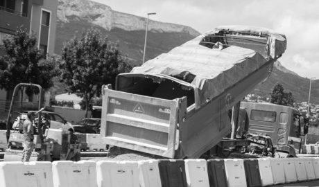 Quejas vecinales por las obras del tren en Dénia en horario de siesta