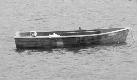 Localizan en Moraira la segunda patera vacía en aguas de la comarca en 24 horas