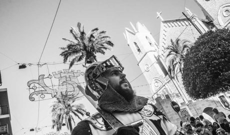 Moros y Cristianos echan el resto en las calles de Benissa con una espectacular Gran Entrada