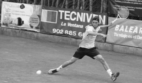El cabeza de serie número uno fue demasiado rival para Sergi Pérez, que cae en octavos del Orysol