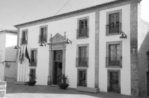 Xàbia firma un nuevo contrato para dar cobertura jurídica a concejales y funcionarios