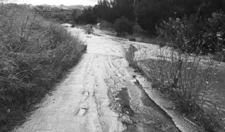 Xàbia corta los viales que cruzan el Gorgos ante la crecida del río y Benitatxell cierra el Moraig