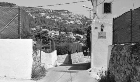 Denuncian que una circunvalación amenaza el último paisaje rural de Xàbia y sus casas centenarias