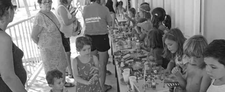 Los alumnos del Taller d'Estiu de Xàbia recaudan fondos para los niños del aula de educación especial