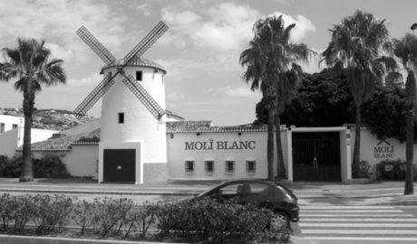 Multas de 300 euros contra el 'botellón' en las inmediaciones del Molí Blanc de Xàbia