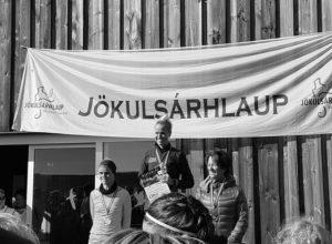 La atleta Anna Berglind Pálmadóttir vence en el trail de Jökulsárhlaup en Islandia