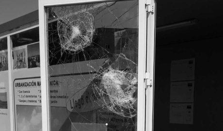 Ataques vandálicos contra una promoción de apartamentos en Dénia