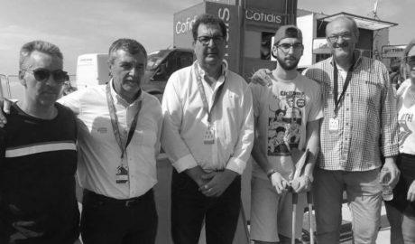Andrés Contreras torna a vibrar amb l'esport que l'apassiona en la meta de l'etapa de la Volta de Benitatxell