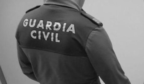 Un detenido en El Verger por masturbarse ante los menores de una urbanización