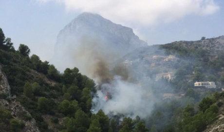 Incendio en el Montgó, junto al Calvari en Xàbia