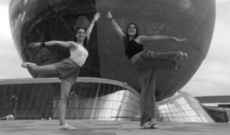 Cristina Sala i Natalia Cholbi, dos gimnastes de la Marina en l'Expo Internacional d'Astana (Kazakhstan)