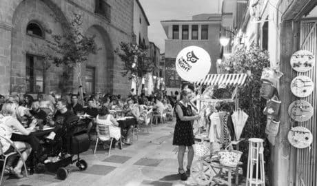 Xàbia celebra la segunda Shopping Night del verano