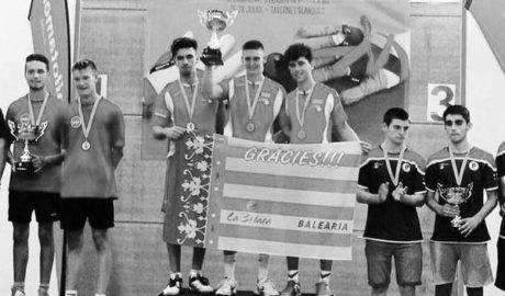 Sacha Kruithof cierra su etapa de juvenil ganando tres europeos: el de onewall, el de llargues y el de modalidad internacional