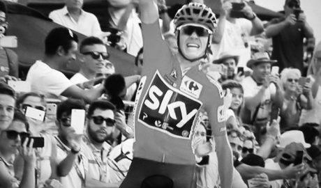 El británico Chris Froome gana la trepidante etapa de la Vuelta con doble paso por el Puig Llorença