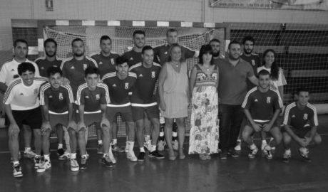 La afición del Dénia Futsal ya conoce a la plantilla que intentará un nuevo asalto a la Segunda B