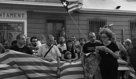 Alcaldes y ediles de Compromís y CUP en la Marina Alta claman contra la ofensiva policial en Cataluña