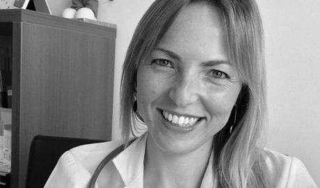 La pediatra y bloguera Lucía Galán ofrecerá en Dénia una charla sobre cómo 'Educar desde la tranquilidad'