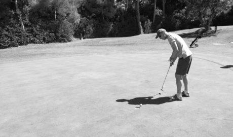 La primera edición del torneo de golf 'La Marina de Ifach' se estrena con gran acogida