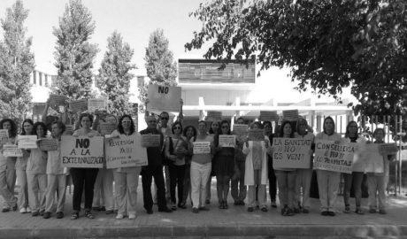 Segona jornada de mobilització per evitar la privatització del laboratori de l'Hospital de Dénia