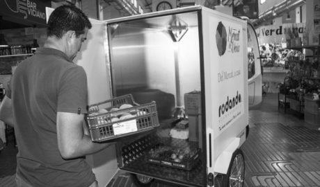 El producto fresco del Mercat de Dénia, hasta casa en bicicleta