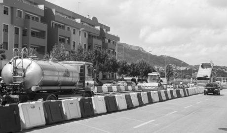 Cortes en Dénia por las obras de montaje de la vía y la limpieza de los imbornales