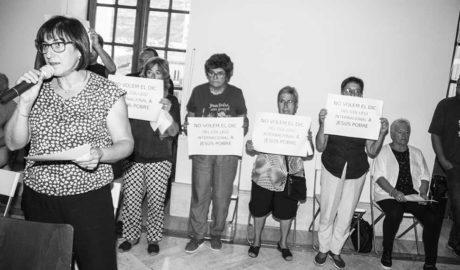 Vecinos de Jesús Pobre acuden al pleno de Dénia y aplauden el rechazo al colegio internacional