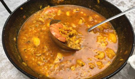 El arroz como protagonista, el variado menú diario del Bar Dianense Diego de Dénia