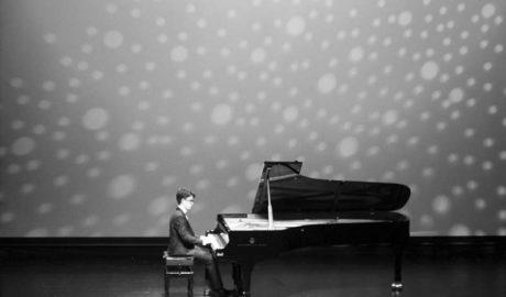 El jove pianista Carlos Santo brilla en l'escenari de l'Auditori Teulada Moraira