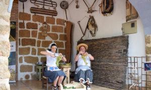 I Trobada d'Estisoradores: ruta teatralitzada, exhibicions, menús, documental i concert del Botifarra -Benissa-