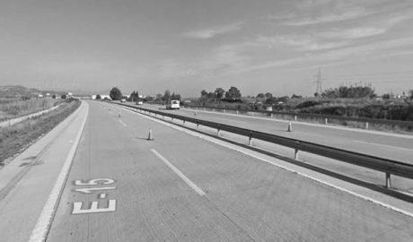 Fallece un motorista de 50 años en la autopista, a la altura de Gata