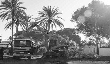 Arrancan las obras para levantar la polémica urbanización Las Olas junto al mar en Dénia