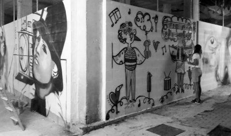 Más grafitis para la calle La Via de Dénia