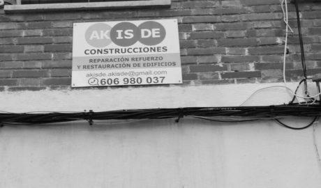 El cartel de la esperanza para los vecinos del Grupo Català de Dénia 40 días después de desalojar sus casas