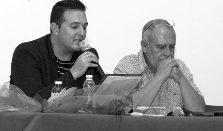 José Escolano presenta en el Verger los poemas de 'Más allá del mar azul'