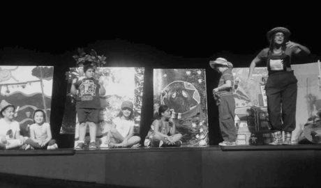 Els escolars de Dénia aprenen ecologia i sostenibilitat a través del teatre