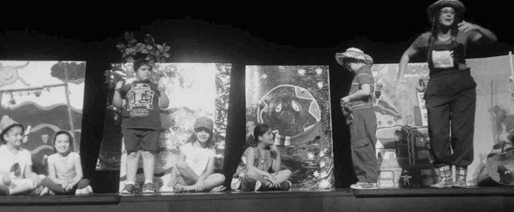 Los escolares de Dénia aprenden ecología y sostenibilidad a través del teatro
