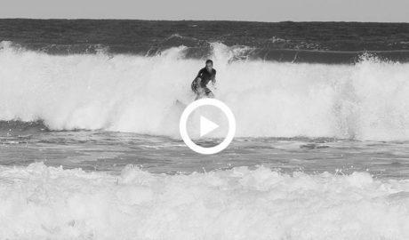 Hawaii en la Marina Alta: los surfistas invaden l'Arenal de Xàbia