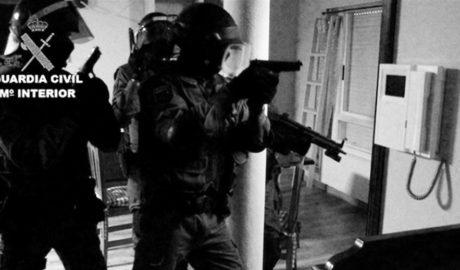 Intercepten 4 tones de cocaïna en una operació internacional iniciada a Dénia