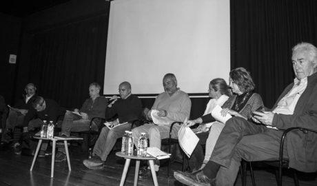 Un tren en discusión en el tablero de ajedrez del urbanismo de Dénia