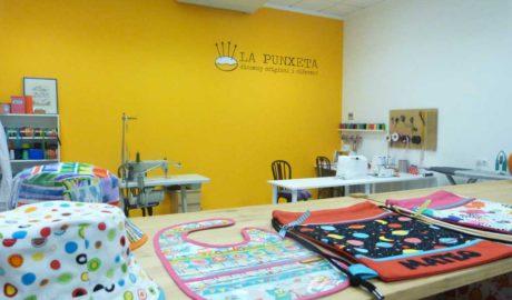 La Punxeta inaugura su nueva tienda taller de confección en Dénia con destacadas novedades