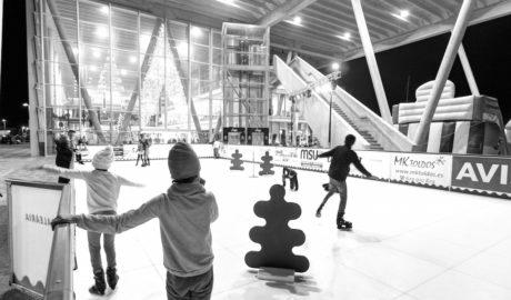 El patinaje sobre hielo ecológico regresa al Puerto de Dénia