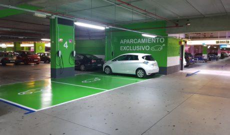 El Centre Comercial Portal de la Marina instal·la carregadors per a cotxes elèctrics en l'aparcament subterrani