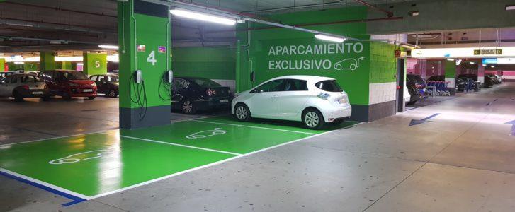 El Centro Comercial Portal de la Marina instala cargadores para coches eléctricos en el aparcamiento subterráneo