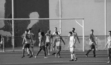 El CD Jávea no pasa del empate en Benidorm pero sigue a dos puntos de promoción