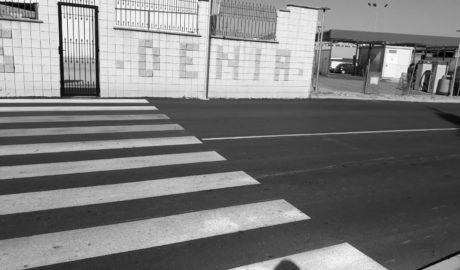 [LA FOTO] Carreteras nuevas en Dénia con la misma falta de aceras de siempre