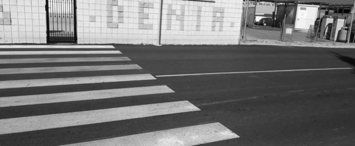 [LA FOTO] Carreteres noves a Dénia amb la mateixa falta de voreres de sempre