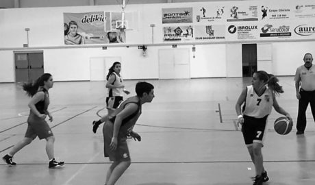 El Bàsquet Pedreguer femení segueix imparable: dos derbis seguits guanyats contra Dénia i Pego