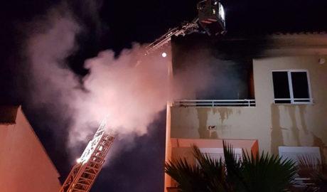 Cuatro hospitalizados por el incendio de una vivienda en Xàbia