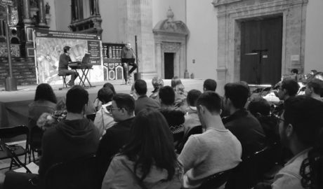 Los alumnos del Maria Ibars de Dénia rememoran el 75 aniversario de la muerte de Miguel Hernández
